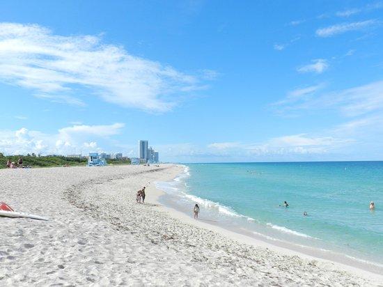 Haulover Beach Park : Quiet beach,