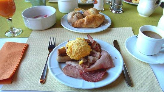 Riffelhaus 1853 : 朝食