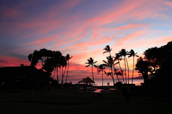 Napili Kai Beach Resort: Beautiful sunset view from our lanai - tunliweb.no