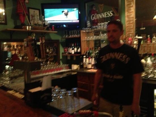 Fox Pub and Cafe: Matt the friendly owner/bartender