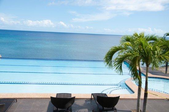 Santiago Bay Garden & Resort: which blue is your fancy?