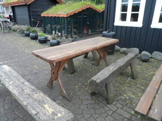 Viking Village Hotel: Small table for eating outside