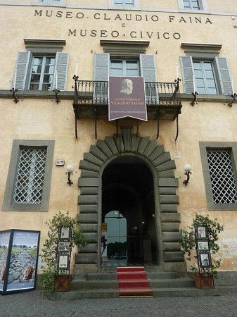 Museo Claudio Faina : Museum entrance.