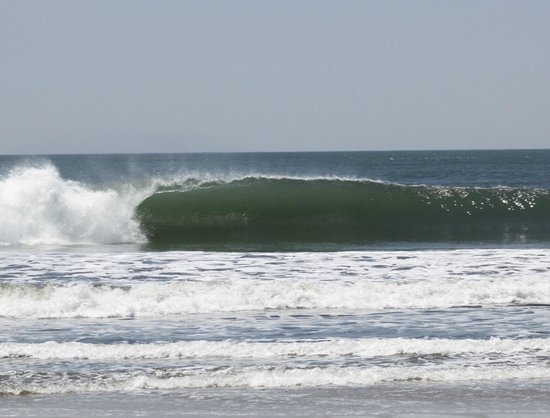 ThunderBomb Surf Camp: Left drainer out front