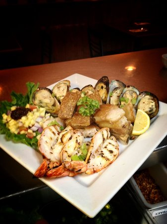 7 Seas Seafood & Grill Restaurant : Grilled Platter