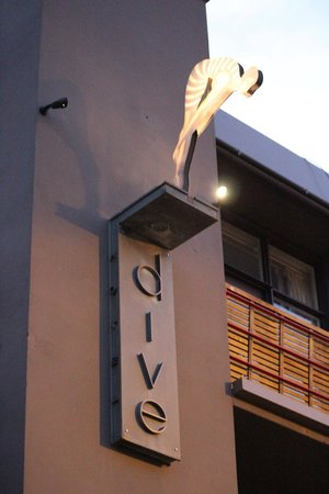 Dive Hotel : Front of hotel
