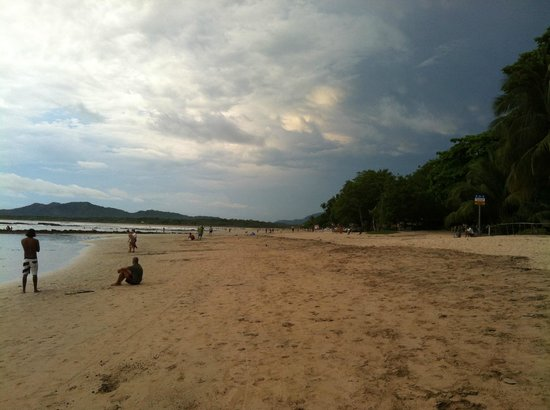 Hotel Tamarindo Diria: Great beach