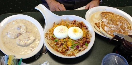 DJ's North Woods Family Restaraunt: Breakfast for one