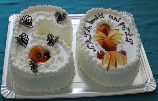 Simple, fruity & fresh cake