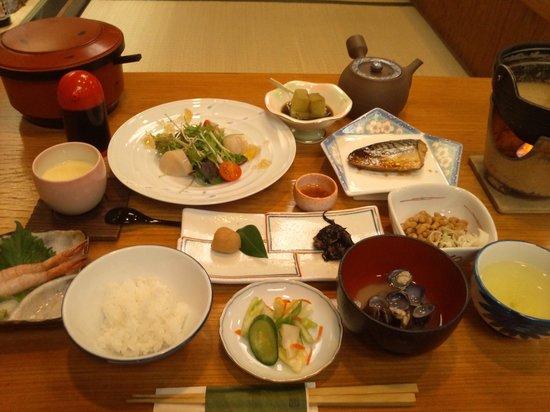 Shintsuta: 朝食に満足です