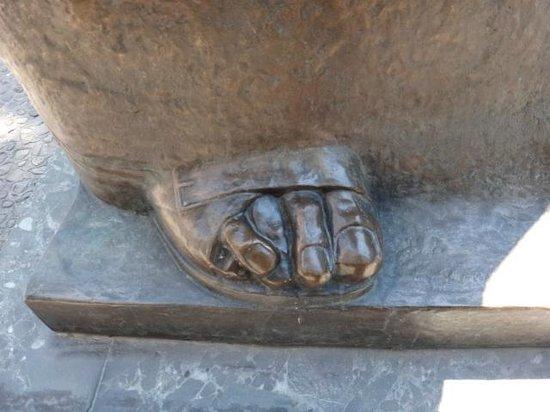 Memorial House of Mother Teresa : The crossing finger