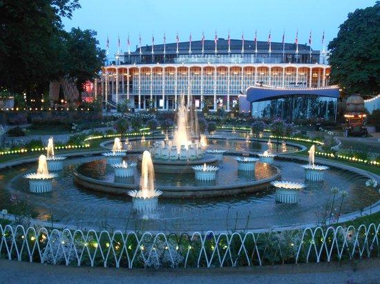 Jardins de tivoli picture of tivoli gardens copenhagen for Jardin tivoli