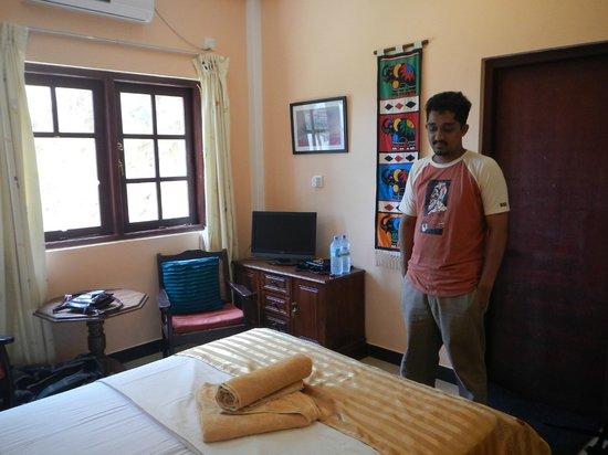 Days Inn-Kandy: the room