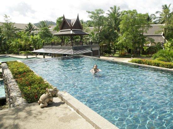 Mukdara Beach Villa and Spa Resort: Top pool