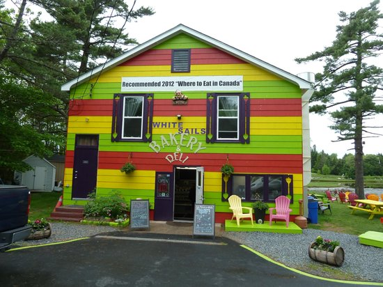 White Sails Bakery & Deli: the colourful building