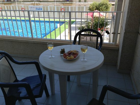 Centremar: having some tapas on the balcony