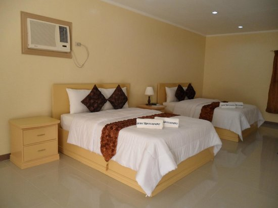Subic, Filippine: a gud for 4 person and even 6, a very spacious room