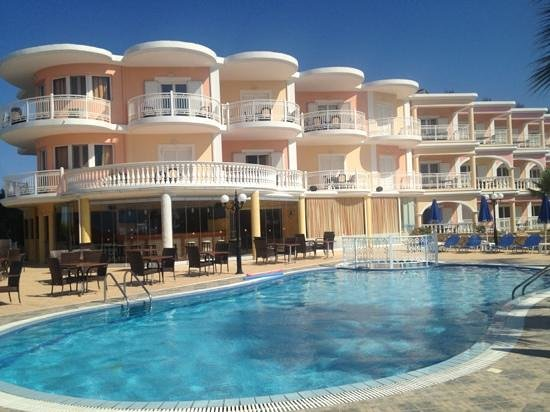 Arkadia Hotel: front