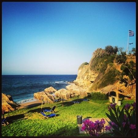 Arkadia Hotel: the lawn beach near hotel
