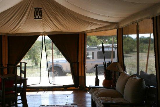 Loyk Mara Luxury Camp: dining area