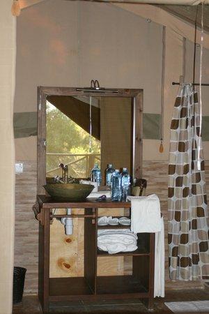 Loyk Mara Luxury Camp: Bathroom