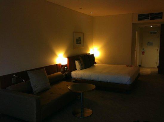 Novotel Canberra: Bed
