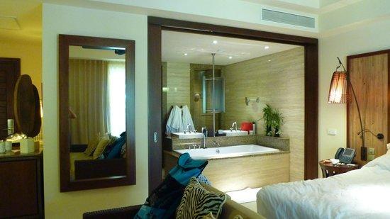 Constance Ephelia: Salle de bains