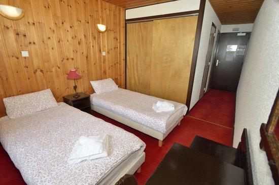 Le Cairn Hotel : Chambre 2 lits séparés