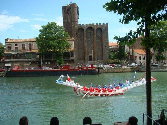 Vieux Agde: Joutes languedociennes face la cathédrale d'AGDE