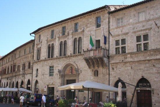 Palazzo e fontana del Bargello