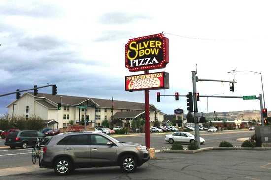 Silver Bow Pizza Parlor