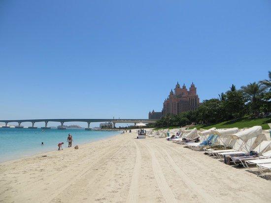 Atlantis, The Palm: Widok hotelu z plaży