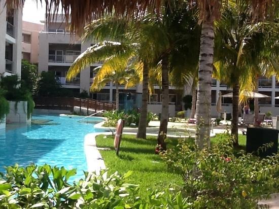 Paradisus Playa Del Carmen La Esmeralda: View from bali bed next to swin up suites pool, Beautiful
