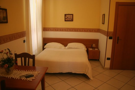 Fittacamere Villa Flora: room with terrace