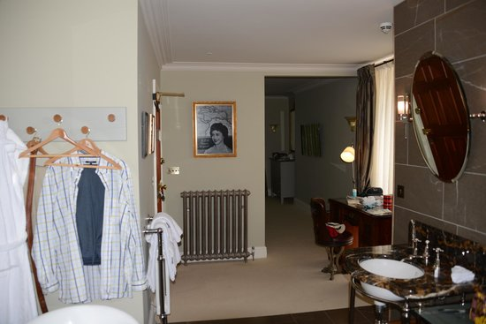 """Southernhay House Hotel: Room 'Sugar"""" looking from bathroom to bedroom"""