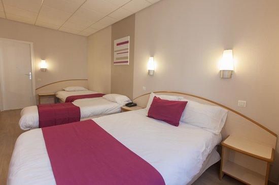 Logis Institut Hotel : Chambre quadruple