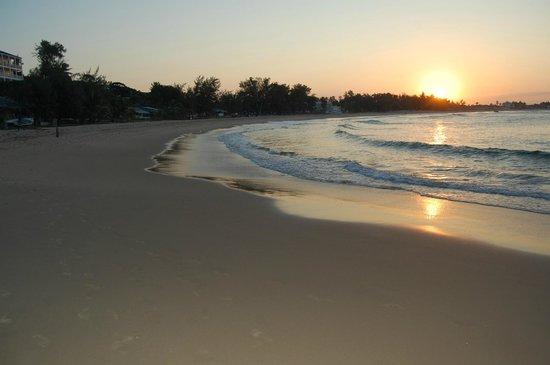 Amigo Lodge: Strand  von Tofo beim Sonnenuntergang