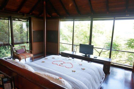 Villa Zolitude Resort and Spa: 전면 유리로 된 침실