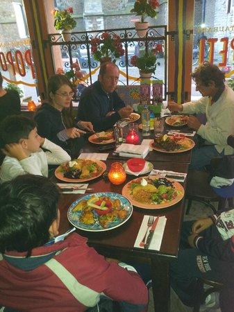 Popocatepetl : Table and plates