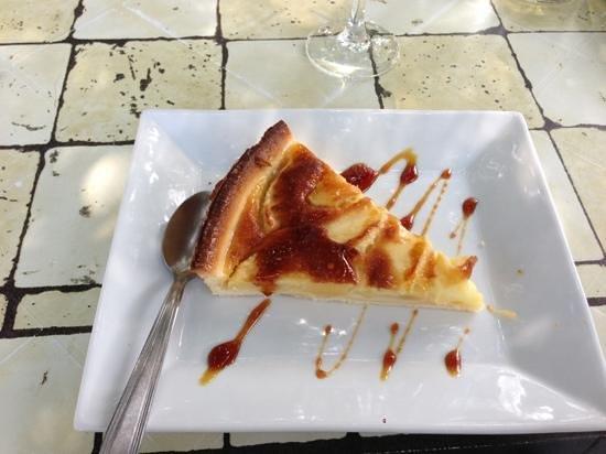 Argeliers, France : tarte normande