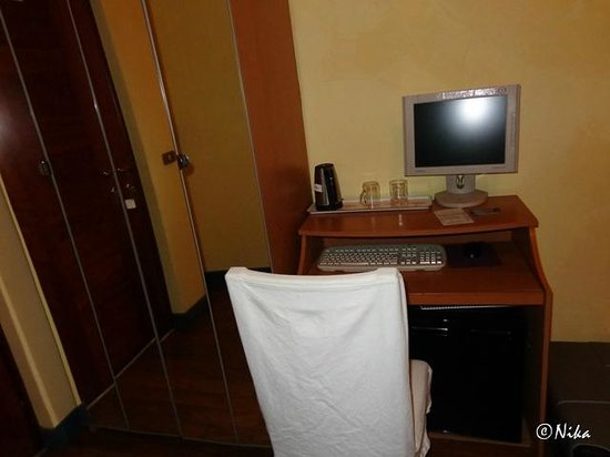 Arena Guest House Colosseo: Room