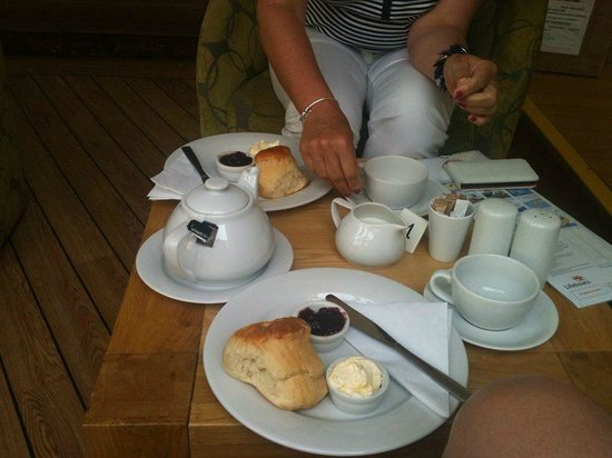 The Rusty Bucket Coffee Shop: Our Cream Tea at The Rusty Bucket mmmmmmm