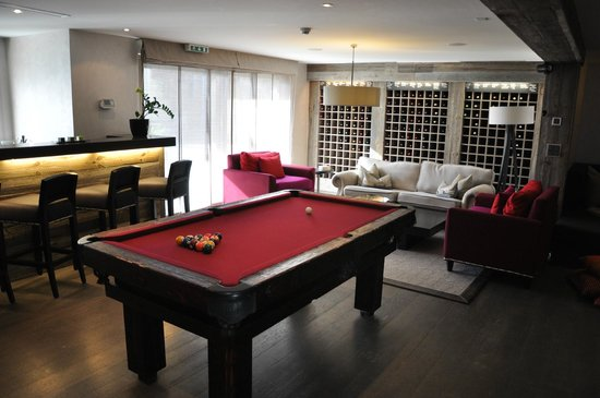The Lodge Verbier: Games Room and Bar