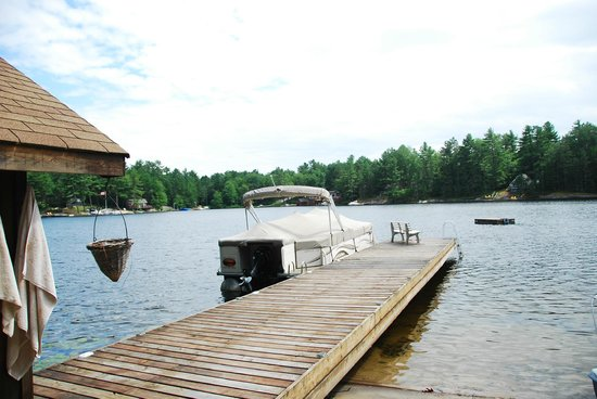 The Muskoka Rose Guest House and Retreat: Lake