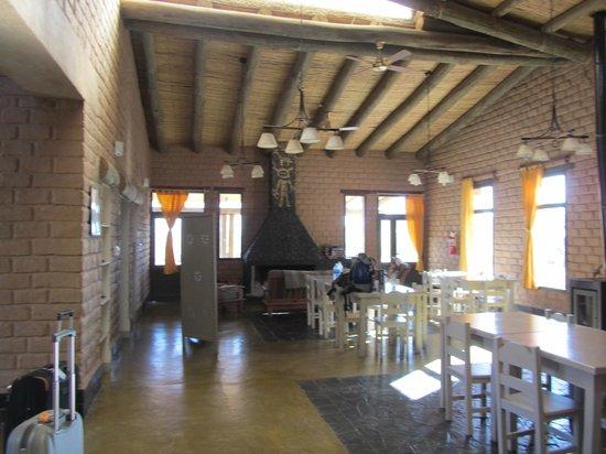 Hosteria De Altura El Penon: comedor y estar