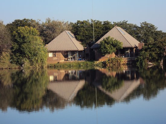 Ngwenya Lodge: Chalets overlooking one of the dams