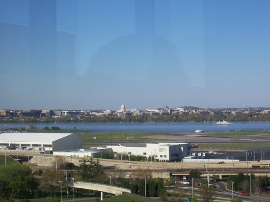 Ruth's Chris Steak House : A view of the Capitol and National Airport from the bar dining room.