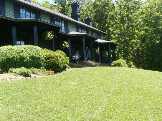 Inn at Wintersun : Enjoying the Wintersun veranda