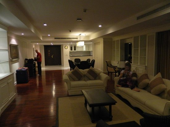 Centre Point Hotel Silom: Lounge and dining rooms