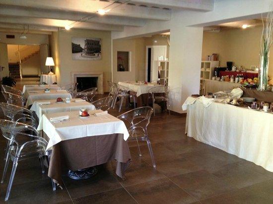 Relais Dell'Olmo: sala colazione